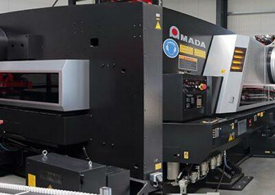 AMADA EML 3610 NT-C445 zum Lasern und Stanzen - Metallverarbeitung von Koch GmbH & Co. KG